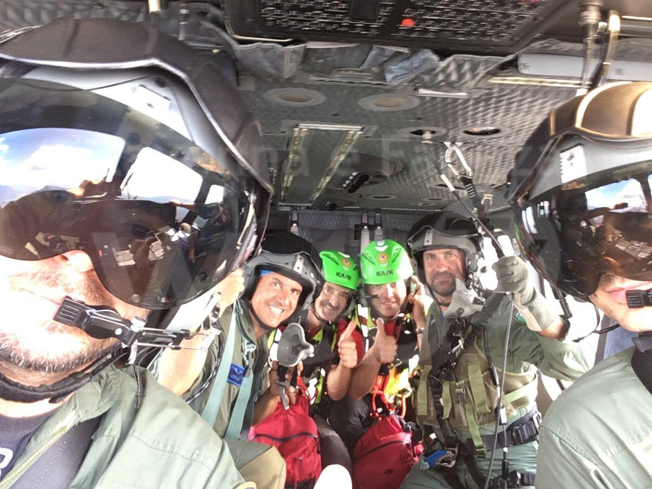 Elicottero 139 : Elicottero di pisignano e personale del soccorso alpino veneto