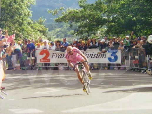 Ciclismo: Cassani regala la bici di Pantani a mamma Tonina
